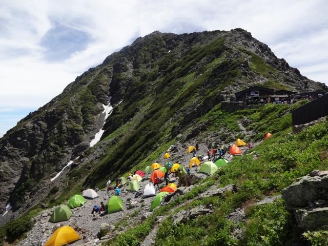 混み合うテント場