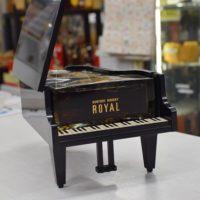 サントリーローヤル ピアノボトル